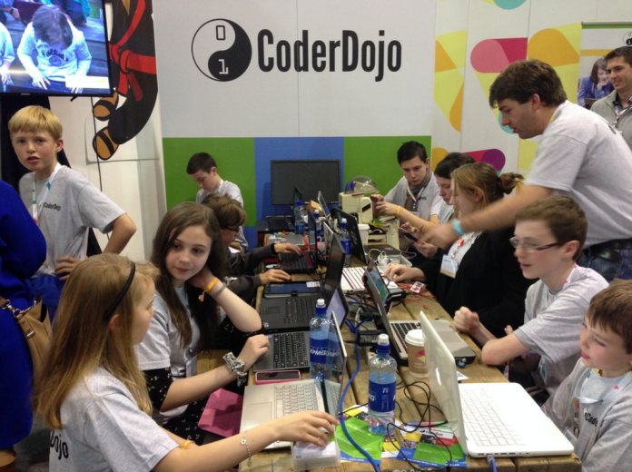 coderdojo-web-summit-2015-booth-1024x765