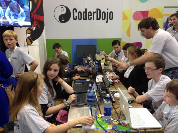 coderdojo-web-summit-2015-booth-1024x765